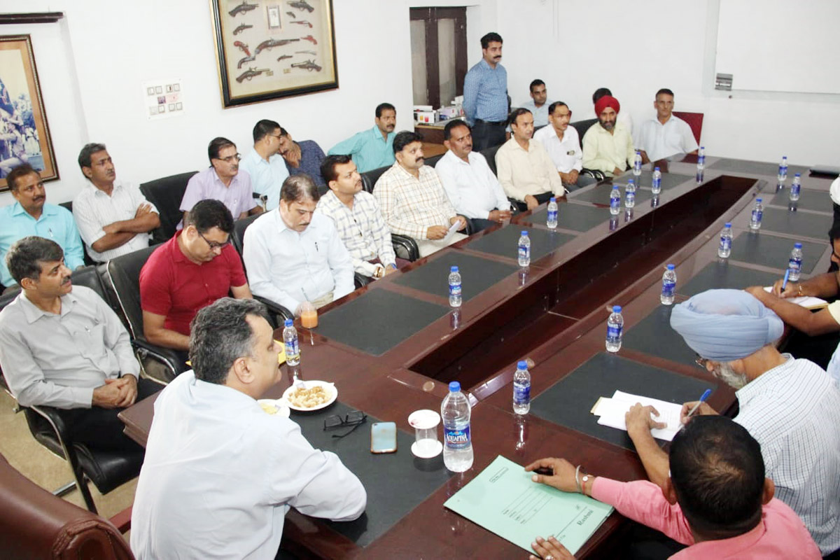 SSP Crime Branch, Jammu, Shailender Singh chairing a meeting of officers.