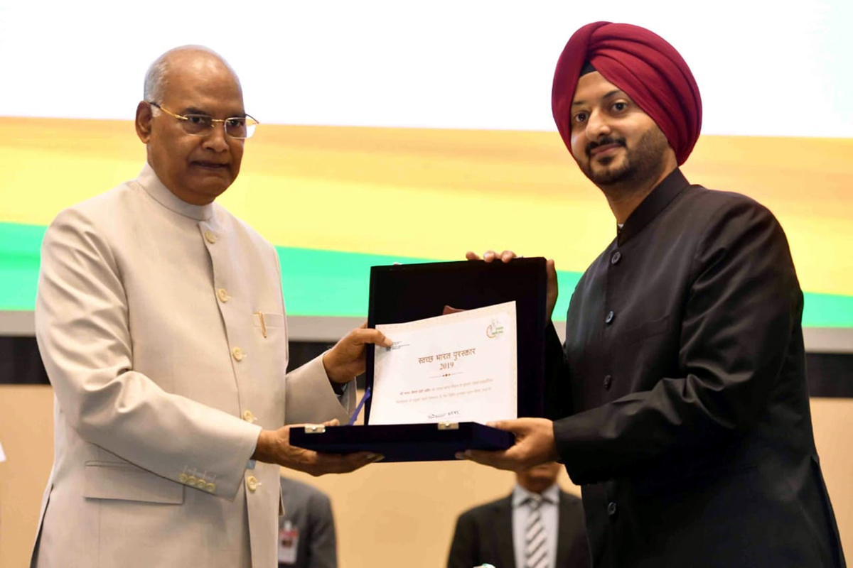 Simrandeep Singh, CEO, SMVDSB receiving award from the President of India, Ram Nath Kovind, for Shri Mata Vaishno Devi Shrine having been adjudged the Best Swachh Iconic Place in the country at New Delhi on Friday.