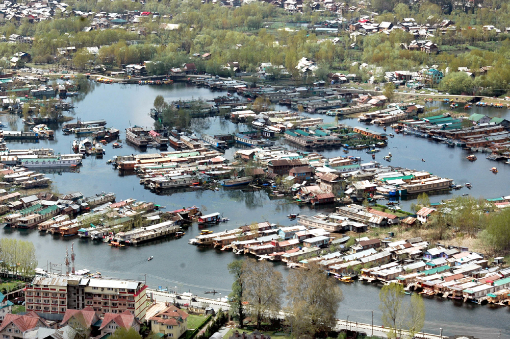 An aerial view of famous Dal lake in Srinagar with no hustle and bustle. (UNI)