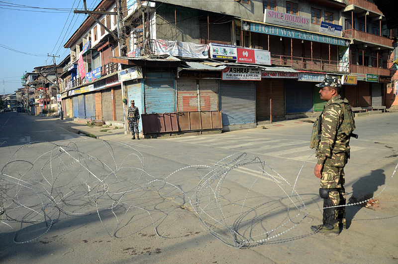 A view of restrictions in Srinagar on Tuesday. -Excelsior/Shakeel