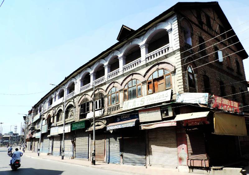 A deserted view of Amirakadal road in Srinagar.(UNI)