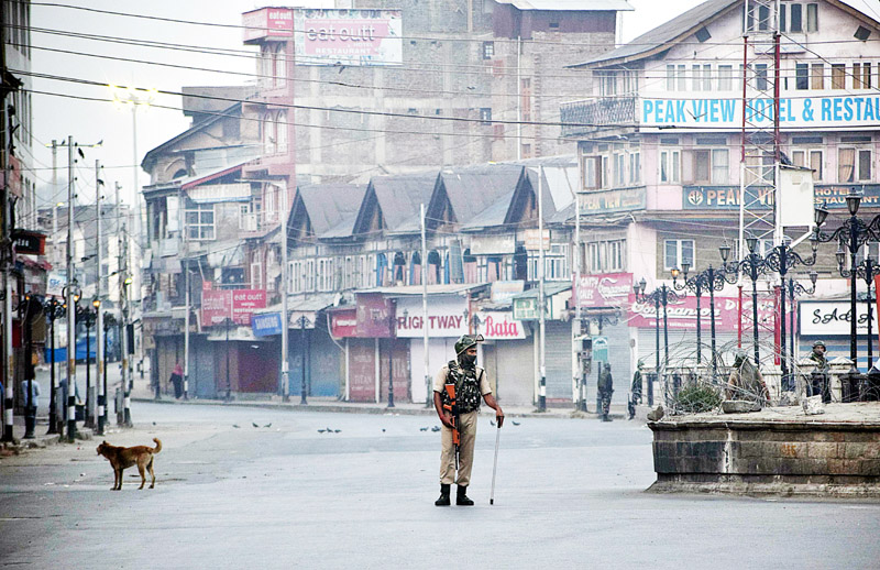 Restrictions imposed in Srinagar city on Friday.-Excelsior/Shakeel