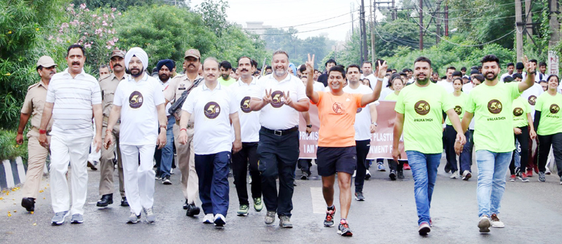Sports persons and prominent members of civil society participating in 'Walkathon' in Jammu.