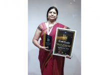 DPS Jammu Principal, Ruchi Chabra after receiving 'Great Legacy in Education (K-12)' award.