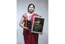 DPS Jammu Principal, Ruchi Chabra after receiving 'Great Legacy in Education (K-12)' award.