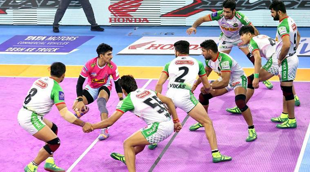Players in action during a PKL match between Patna Pirates and Jaipur Pink Panthers at Kolkata on Thursday.