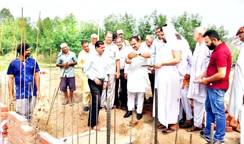 MLC, Ch. Vikram Randhawa laying foundation stone of Toilet Complex at Sohanjana on Monday.