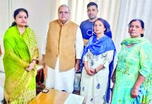 Former Minister, Priya Sethi during a meeting with Governor Satya Pal Malik in Jammu on Saturday.