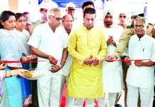 Ex-MLA, Rajeev Jasrotia inaugurating blood donation camp organized by Sant Nirankari Mission at Kathua on Sunday.