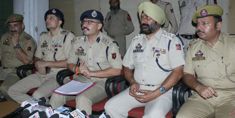 SSP Tejinder Singh interacting with media persons at Jammu on Sunday. —Excelsior/Rakesh