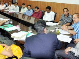 Advisor K Skandan reviewing progress on digitalization of land records during meeting in Jammu.