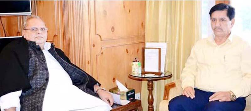 JK Bank CMD, R K Chhibber at a meeting with Governor Satya Pal Malik at Srinagar on Tuesday.