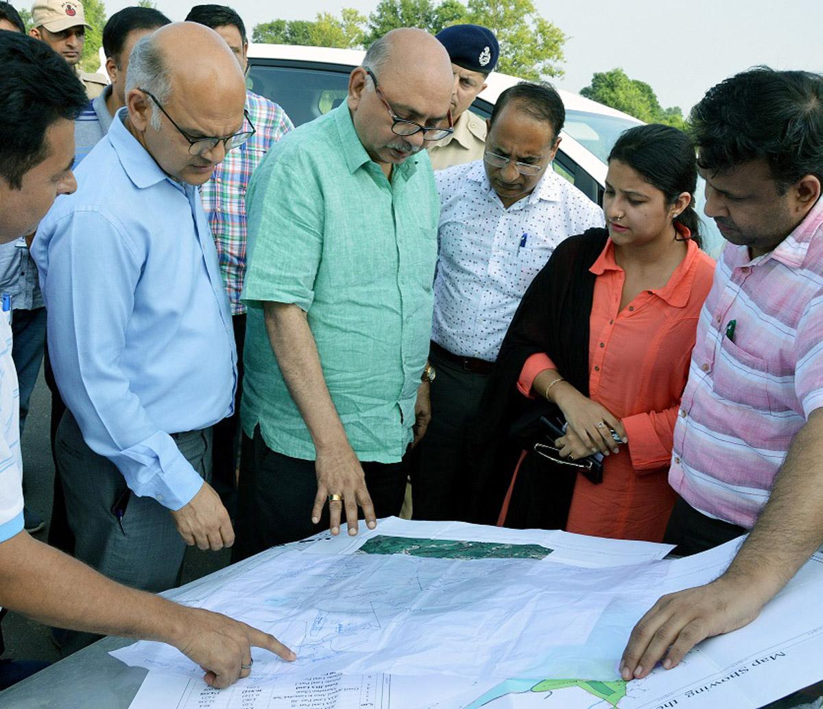 Advisors inspecting JDA land at Mandal on Tuesday.