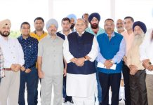 Governor Satya Pal Malik with delegation of CII and All J&K Transport Welfare Association on Thursday.