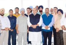 Governor Satya Pal Malik with delegation of CII and All J&K Transport Welfare Association on Thursday.