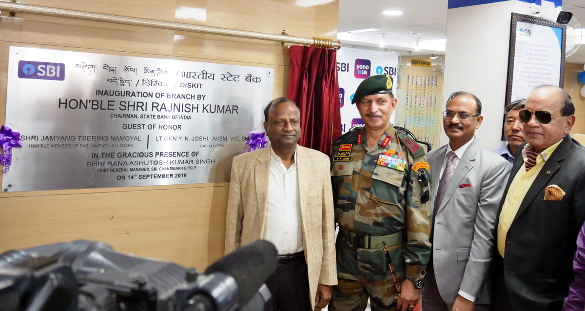 SBI Chairman Rajnish Kumar and Lt. Gen Y K Joshi at the opening of Bank branch at Diskit on Saturday. —Excelsior/Morup Stanzin
