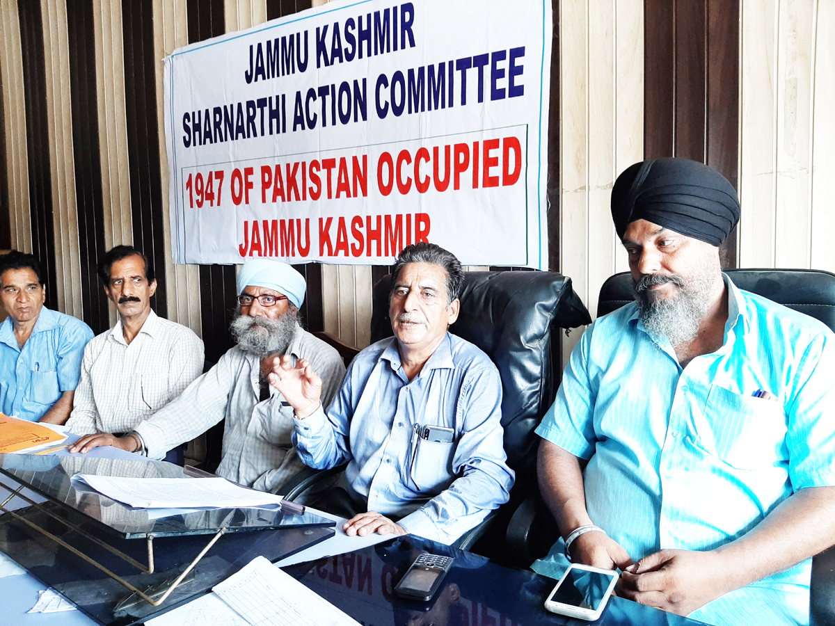PoJK Sharnarthis at a press conference at Kathua on Wednesday. — Excelsior/Pardeep