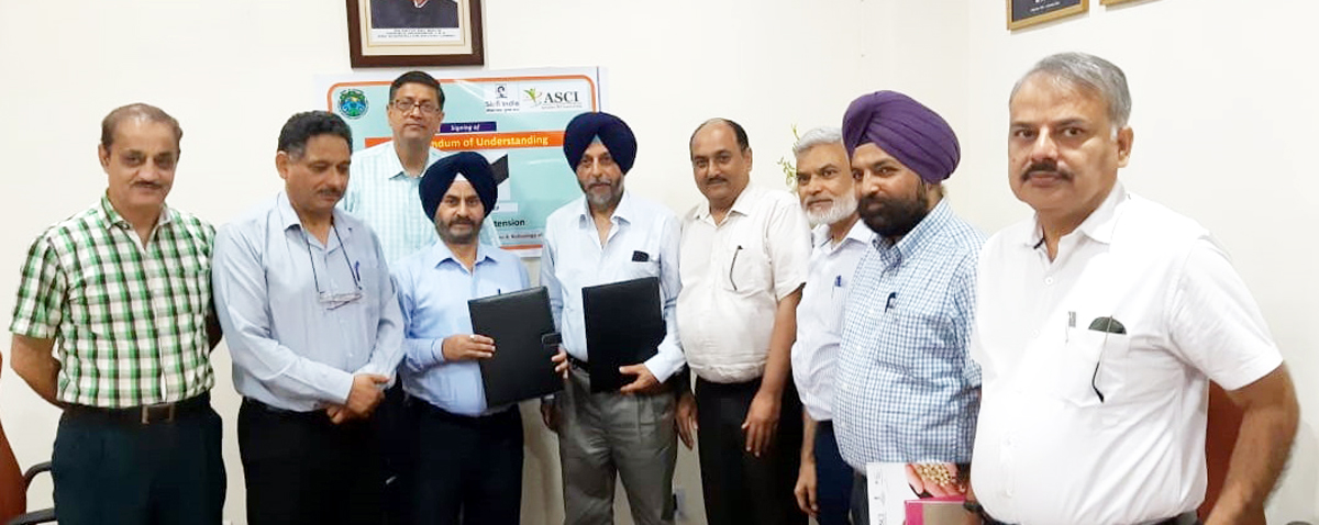 VC, SKUAST-J, Dr KS Risam posing with Kamal Sodhi, Regional Manager (North) of ASCI and others after signing an MoU.