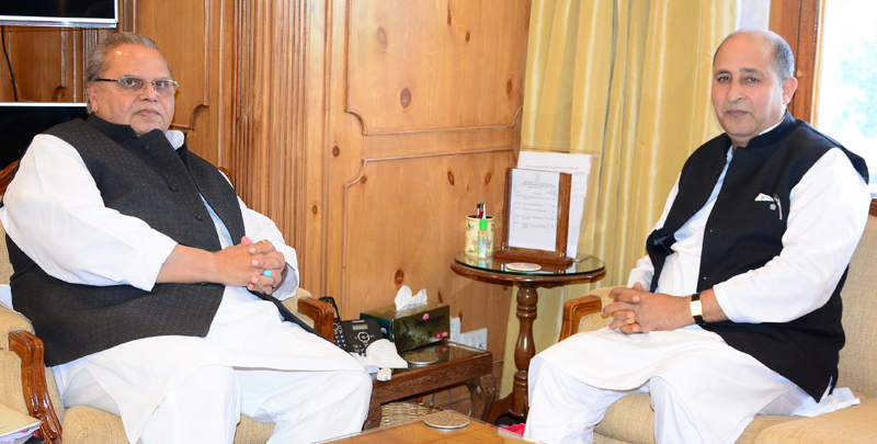 Governor Satya Pal Malik meeting with President JDU, G.M. Shaheen at Srinagar.