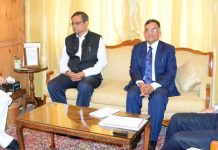 Governor Satya Pal Malik meeting Central Government's Advisory Committee members on Thursday.