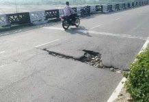 Puddle on Basantar bridge at Samba poses danger to commuters.
