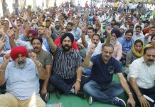 PDD employees during a protest demonstration at Jammu on Tuesday. -Excelsior/Rakesh