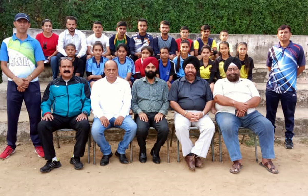 State Jr Kho-Kho teams posing for a group photograph before leaving for Nationals.