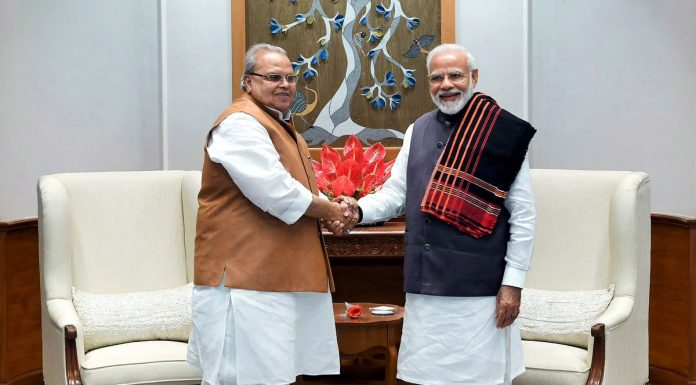 Satya Pal Malik meeting Prime Minister Narendra Modi in new Delhi on Saturday.