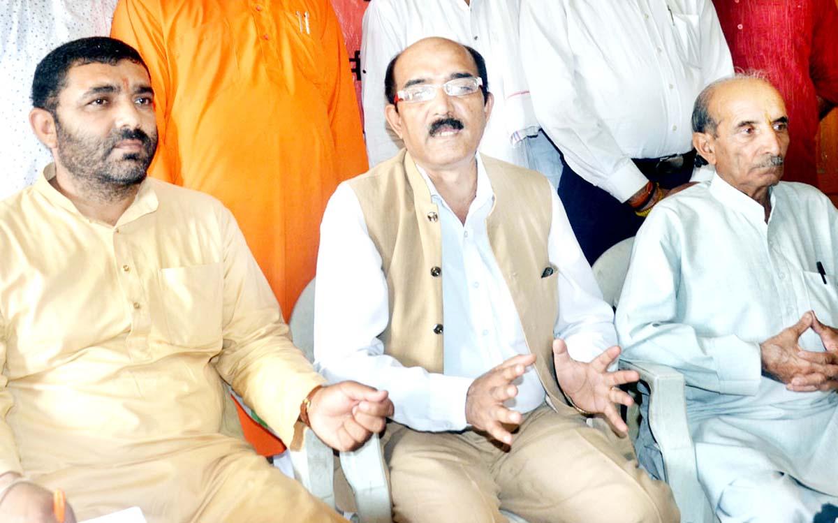 Hindu Jagran Manch president Ram Paul Sharma at a press conference at Jammu on Sunday. -Excelsior/Rakesh