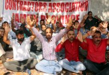 I&FC contractors staging protest in front of Irrigation Complex, Jammu. —Excelsior/Rakesh
