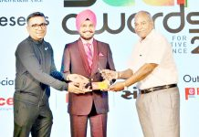 Dr HS Paul, Delhi Bureau Chief, Daily Excelsior receiving award from SK Garg, Special Invitee and Gaurav Chopra, vice president DAC at New Delhi.