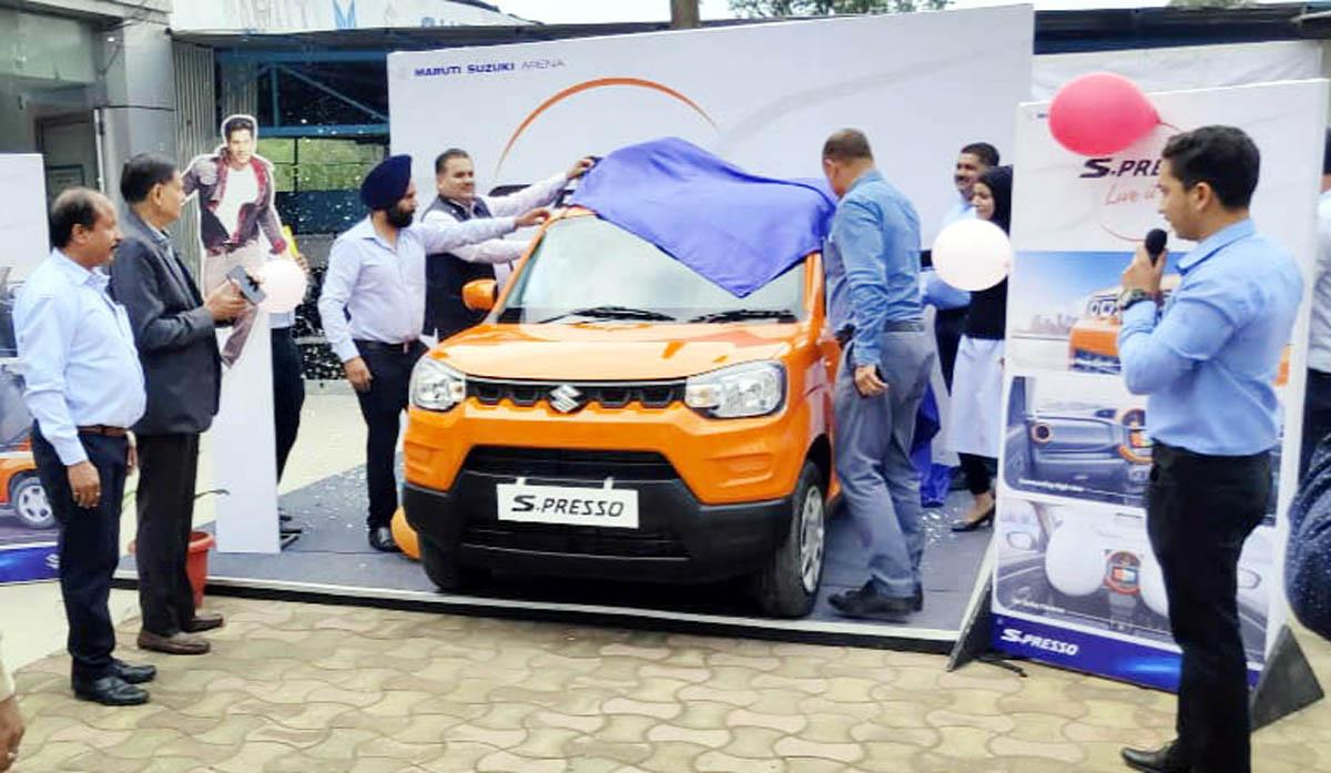 Dignitaries launching Arena-S Presso car at Peaks Auto Thanda Pani Sunderbani in district Rajouri.
