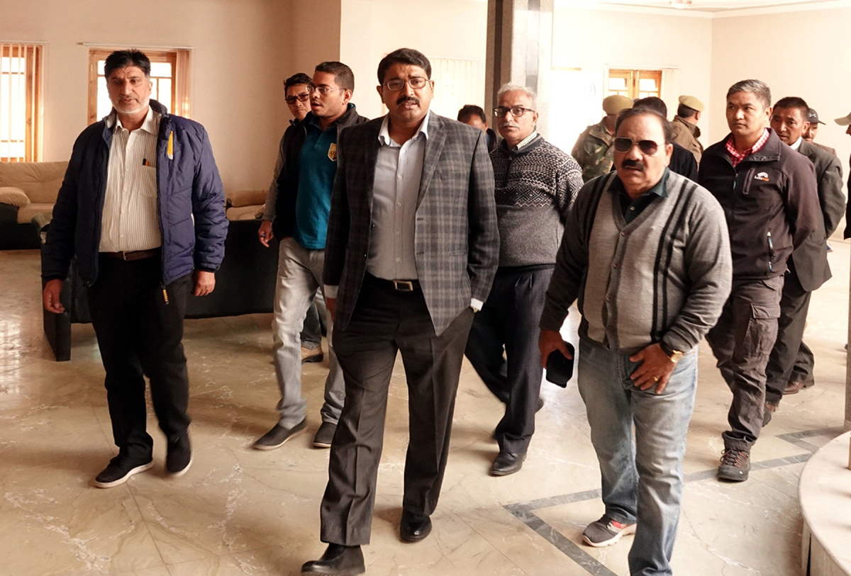 Divisional Commissioner Ladakh Saugat Biswas inspecting preparation of infrastructure.