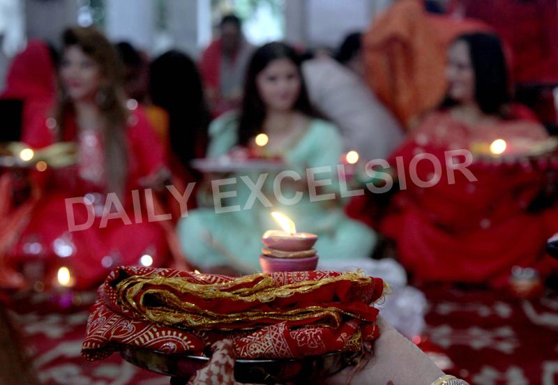 Women performing 'Karva Chauth' rituals in Jammu on Thursday. —Excelsior/Rakesh