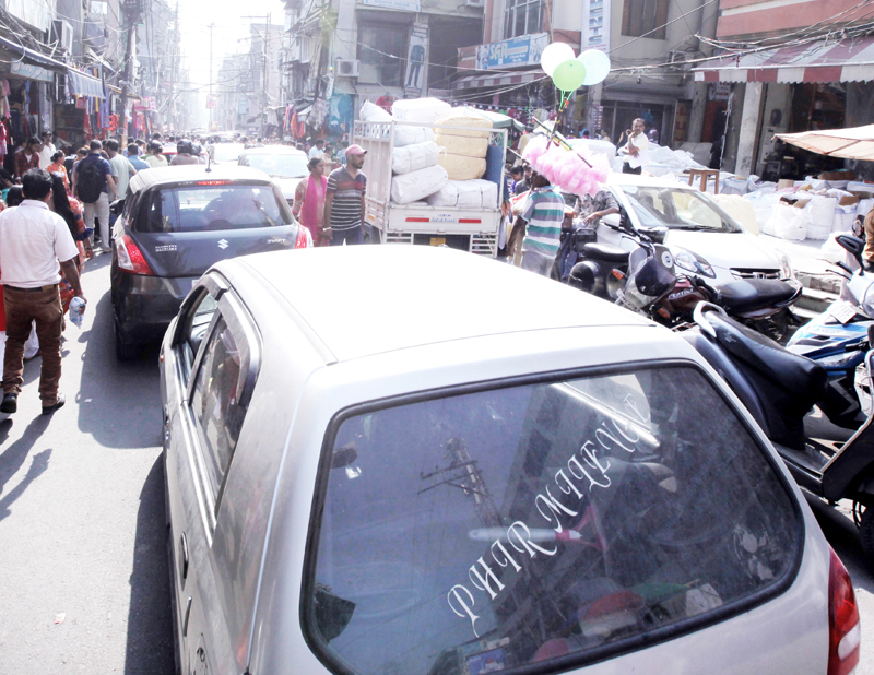 Chaos on roads. -Excelsior/Rakesh