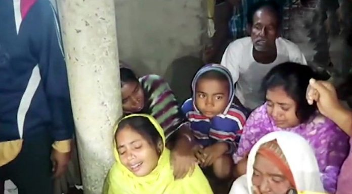 Family members and friends of the labourers who were shot dead by terrorists in Kulgam, in mourning in Murshidabad, West Bengal on Wednesday.