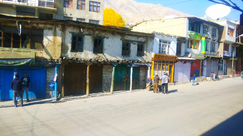A view of complete bandh in Kargil town on Wednesday. —Excelsior/Basharat Ladakhi