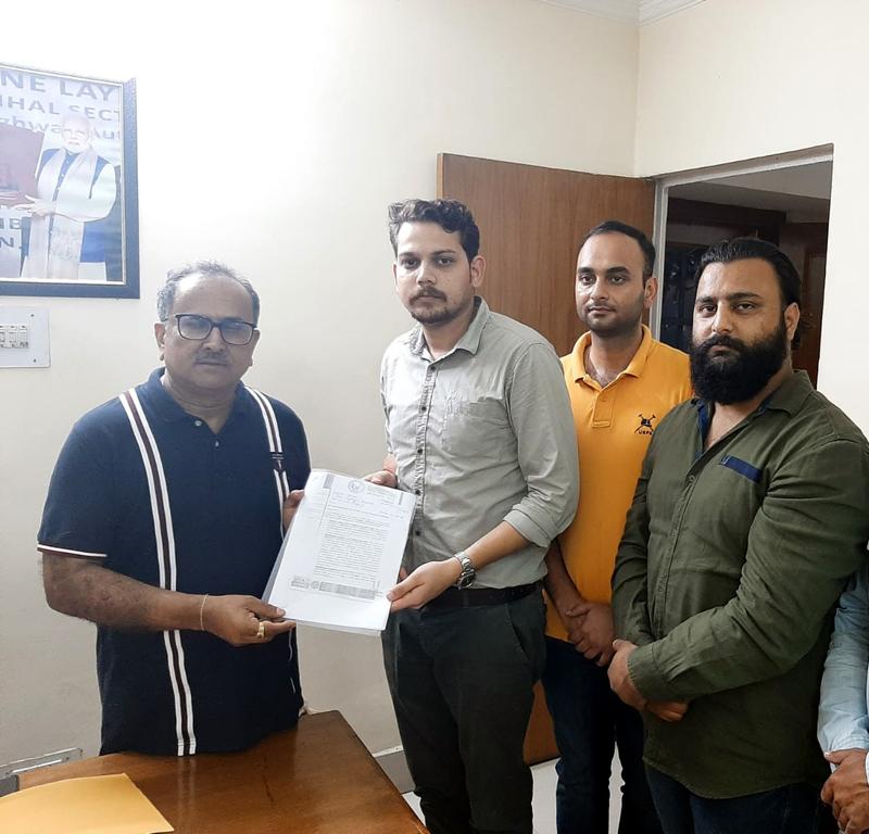 SKUAST-J delegation submitting a memorandum to Dr Nirmal Singh.