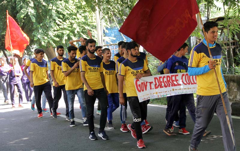 Contingents during inaugural ceremony of Sports Fest-2019 at University of Jammu.