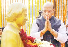 Union Minister for Defence, Rajnath Singh paying homage to the former President of India, Dr. A.P.J. Abdul Kalam, on his birth anniversary in New Delhi on Tuesday.