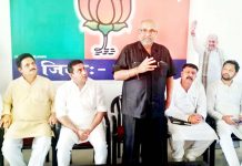 BJP national vice president Avinash Rai Khanna addressing a meeting at Kathua on Sunday.