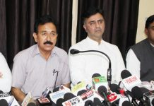 DCC president Vikram Malhotra and Cong Corporators addressing press conference in Jammu on Tuesday.—Excelsior/Rakesh