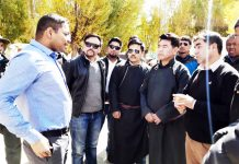 DC Leh Sachin Kumar interacting with people during his tour to Nubra valley.