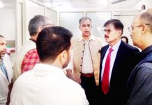 Advisor K Vijay Kumar during visit to JLNM Hospital, Srinagar on Tuesday.
