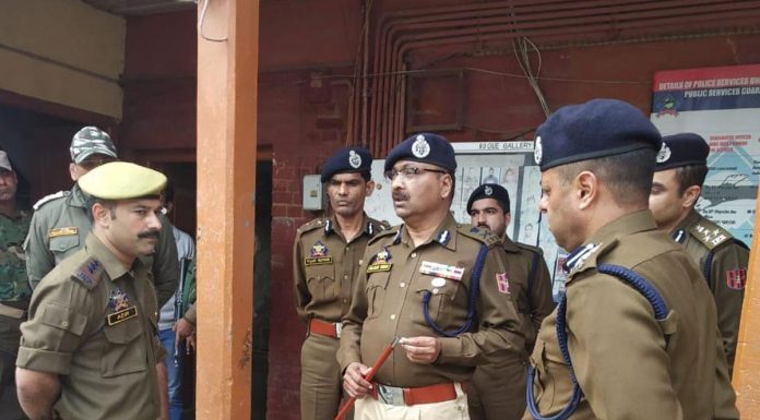 DGP Dilbag Singh during his visit to Sopore on Saturday.