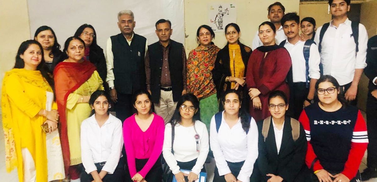Gandhian scholar & writer Dr Anil Dutta Mishra with JU Law School faculty members and scholars after delivering a lecture on Thursday.