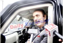 LoP, Ghulam Nabi Azad talking to reporters at Jammu Airport on Wednesday. -Excelsior/Rakesh