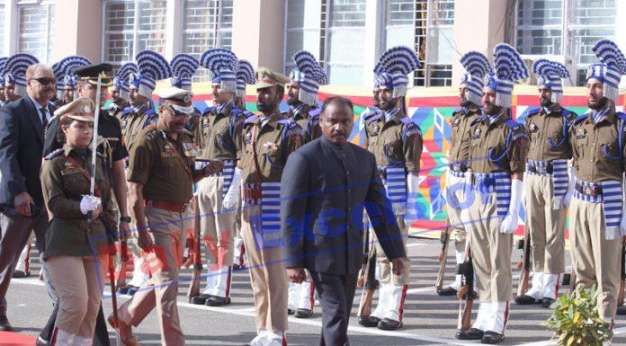 Lt Governor Girish Chandra Murmu inspecting ceremonial Guard of Honour at Civil Secretariat, Jammu on Monday. —Excelsior/Rakesh