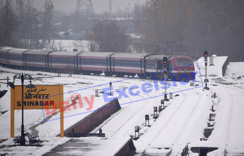 Trial run of train in Srinagar on Monday before resumption of service. —Excelsior/Shakeel