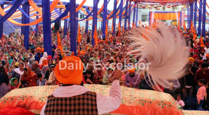 Sikh Sangat during the celebration of 550th Parkash Purab of Guru Nanak Dev Ji at Jammu on Tuesday. —Excelsior/Rakesh